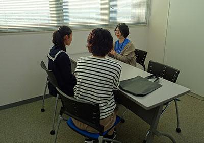理系志望の女子中高大生、個別相談会 写真4